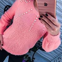 Красивый персиковый свитер из ангоры