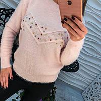 Пушистый женский свитер из ангоры