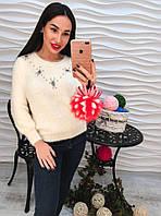 Теплый свитер из ангоры декорирован стразами