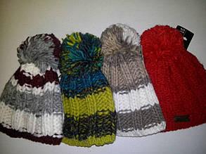 Качественная, удобная и практичная красиво связанная шапка, Польша.