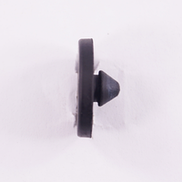 Заглушка резиновая (22x22x9) б/у Рено
