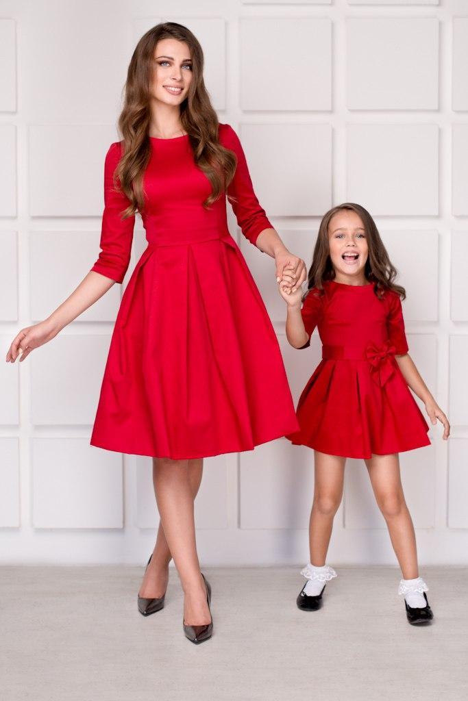 9e246758b54d99b Комплект одинаковых платьев мама-дочка в складку - Интернет-магазин одежды  и обуви от
