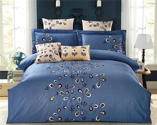 Комплект постельного белья Евро HomeLine Сатин с вишивкой 200х220 ВУАЛЬ в коробке