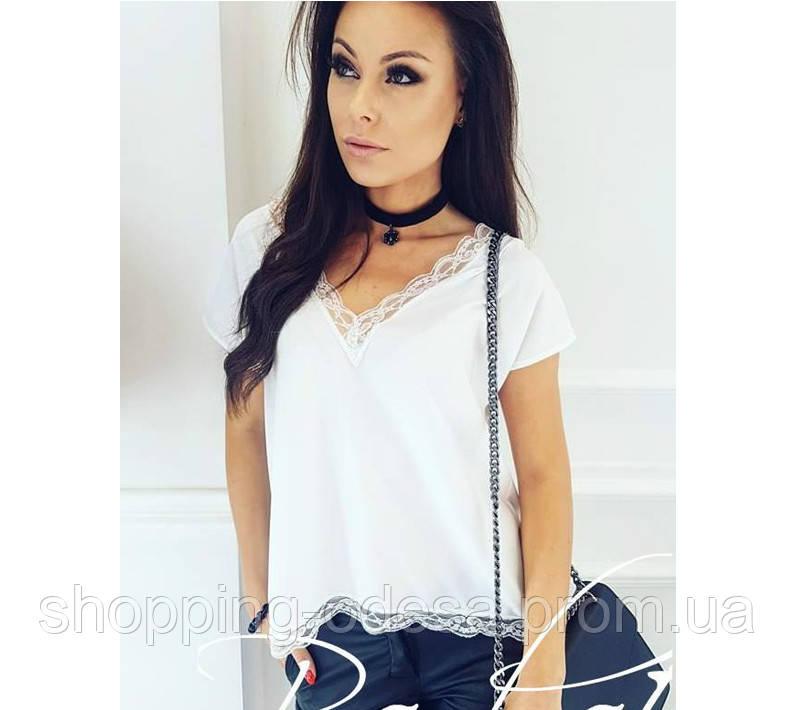 303da3850b8 Нежная блузка с кружевом