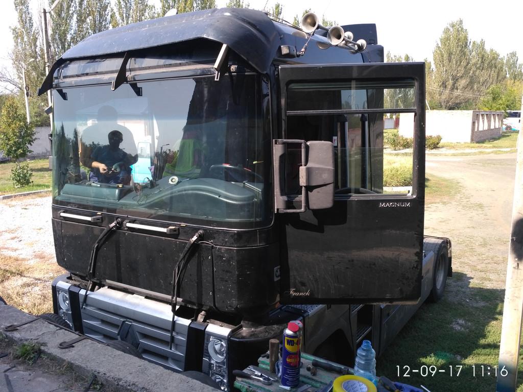 Изготовление и замена лобового стекла на Renaul Magnum Рено Магнум в Никополе