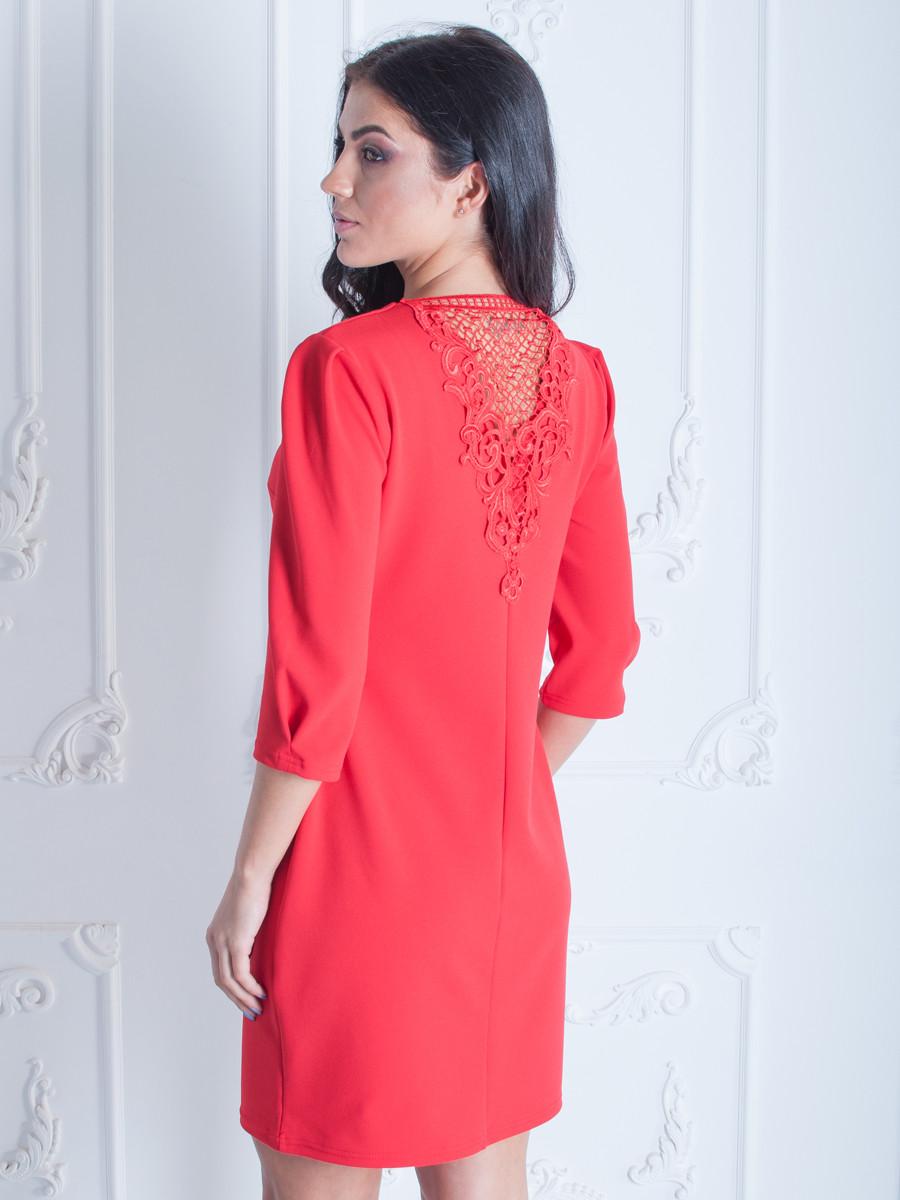 Женское платье с кружевом короткое