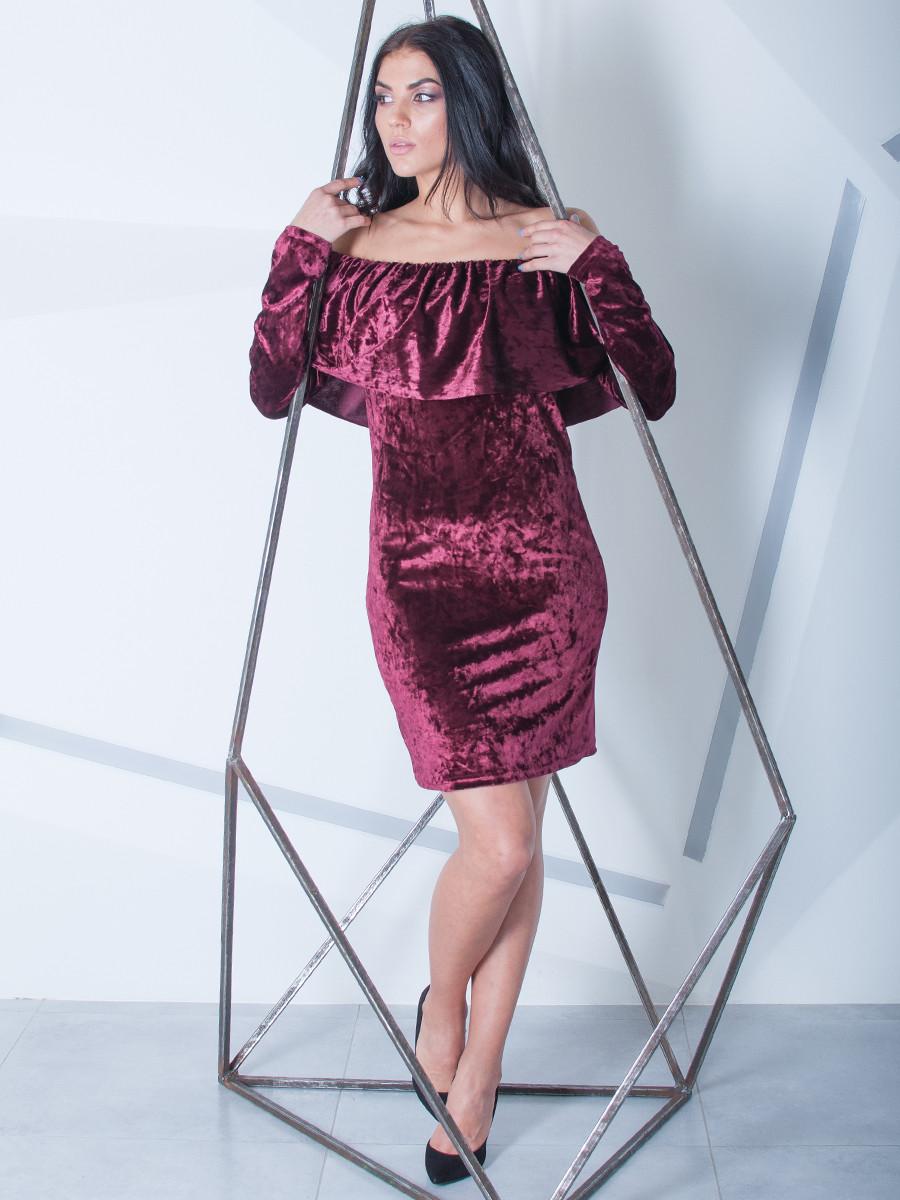 Женское велюровое платье