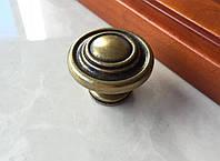Мебельная Ручка-кнопка классика старое золото