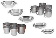 Алюминиевые тарелки, кружки и стаканы.