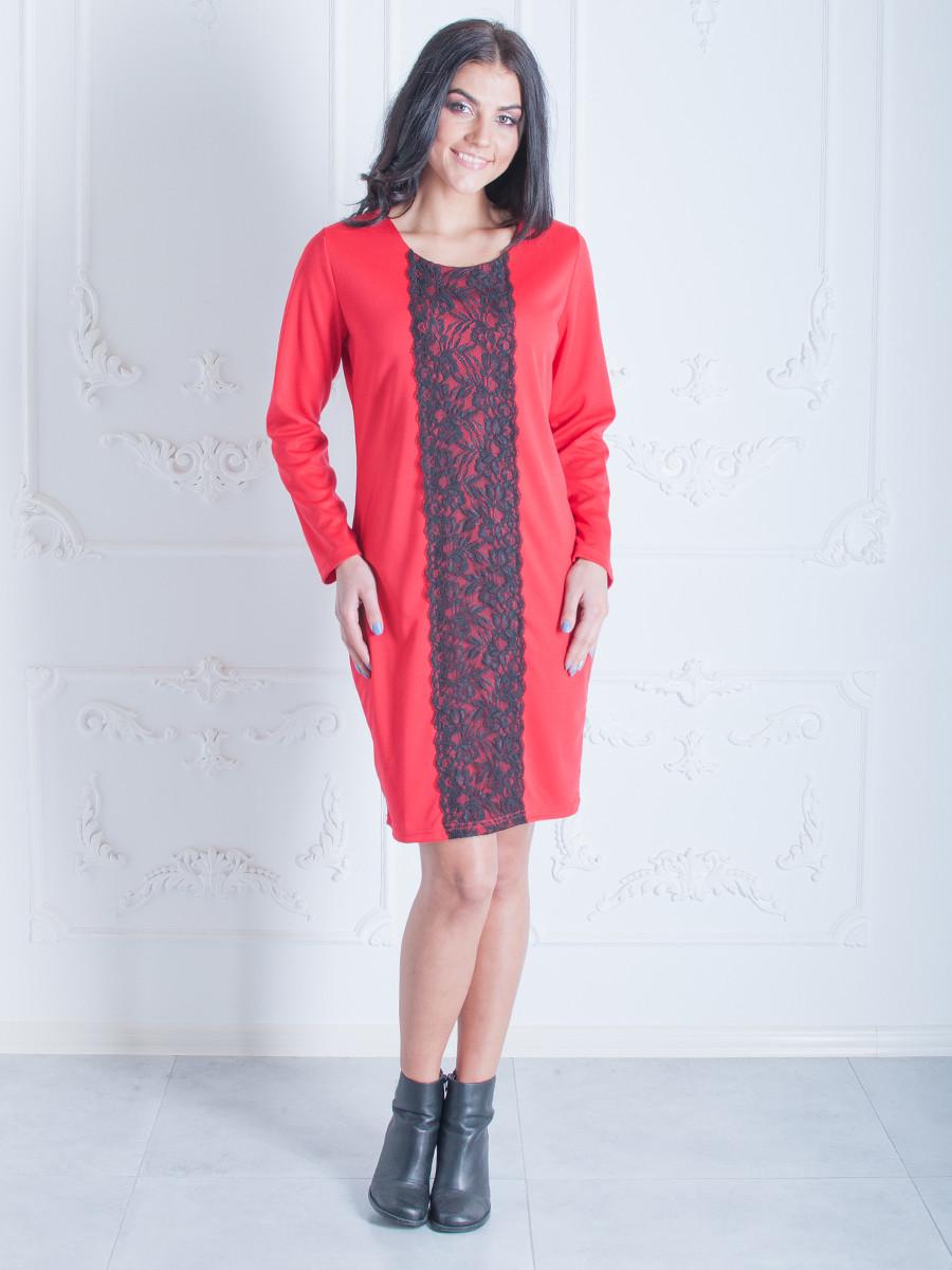Свободное женское платье с кружевом