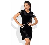 Черное бархатное платье с пайеткой на рукавах