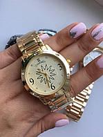 Отличный подарок - женские часы