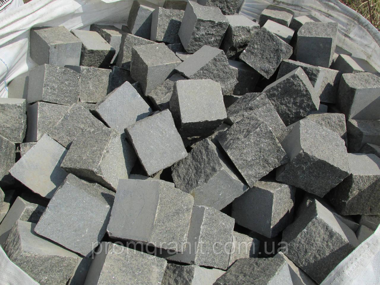 Кубик гранитный для столбиков 10*10*10