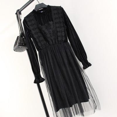Платье с фатином на юбке