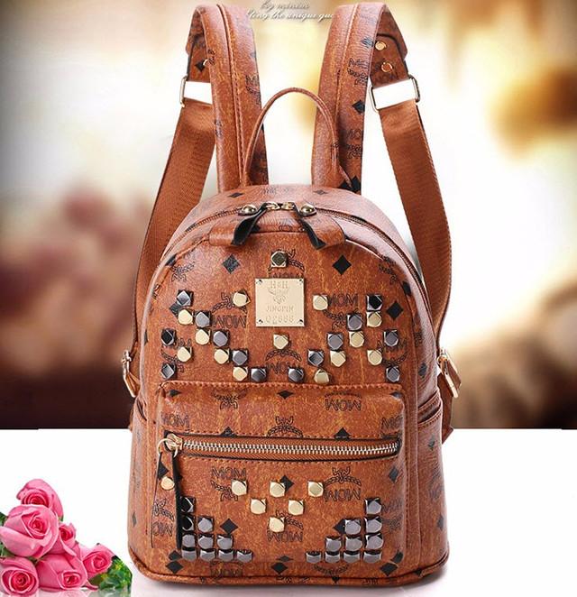 Модный женский рюкзак с заклепками городского типа , фото 1