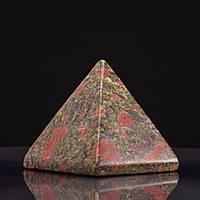 Пирамида сувенир натуральный камень Гелиотроп Яшма h-4см