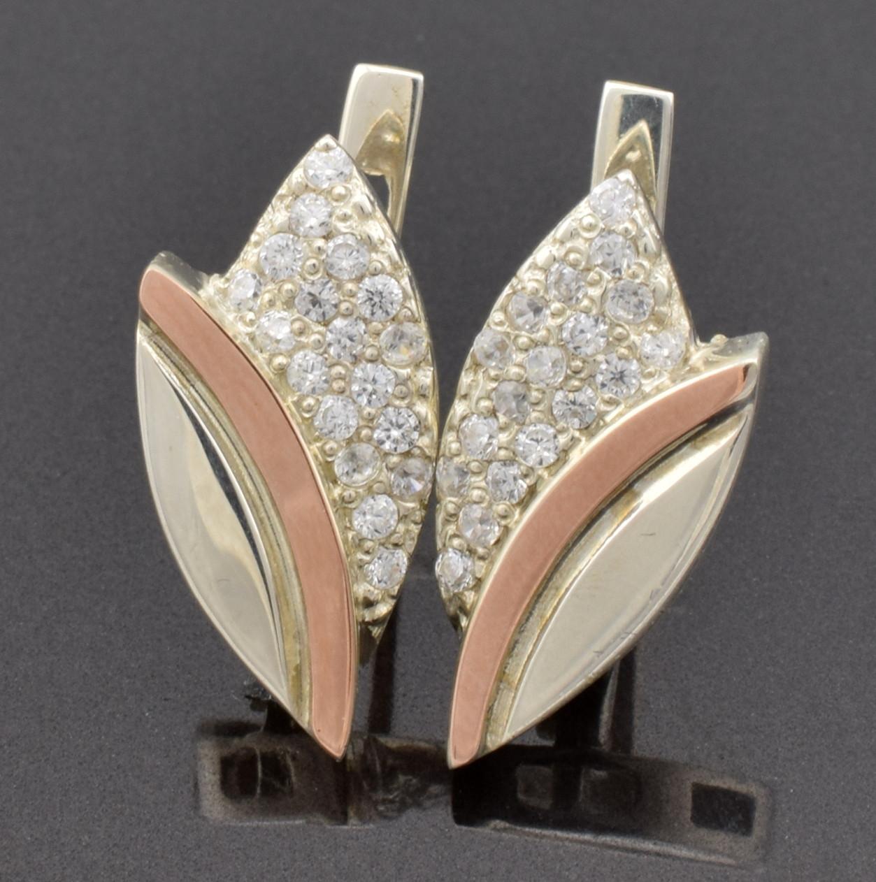 """Серебряные серьги с золотыми пластинами """"Бутон"""", размер 20*10 мм, вставка белые фианиты, вес 3.8 г"""