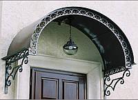 Козырек над входом в частный  дом