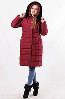 Женская зимняя удлиненная куртка цвет марсала