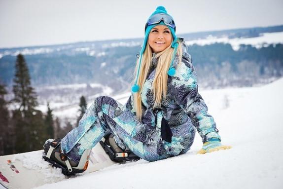 Стеганые и дутые женские спортивные костюмы (лыжные).