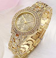 Часы наручные женские с золотистым ремешком