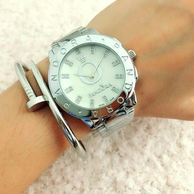 Жіночі годинники Pandora Два камені з білим циферблатом сріблясті