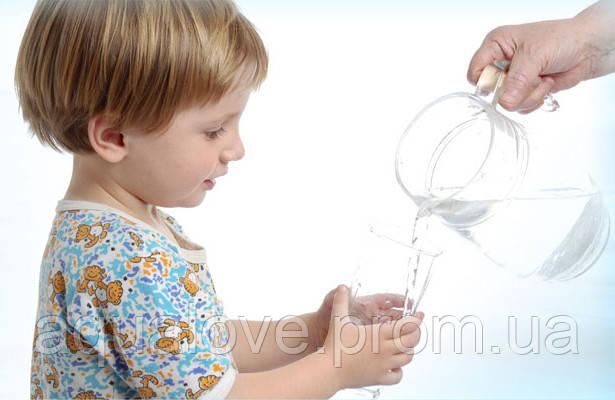 Ребенок в доме и фильтры для воды