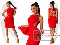 Платье мини облегающее из креп-дайвинга без рукавов со спинкой из французского гипюра и двойной баской 8026