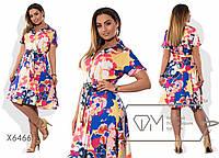Платье миди А-покроя из поливискозы на запахе под пояс с коротким рукавом, V-вырезом и воротником-стойкой X6466
