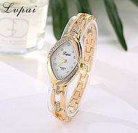 Наручные часы женские с золотистым ремешком и кристаллами