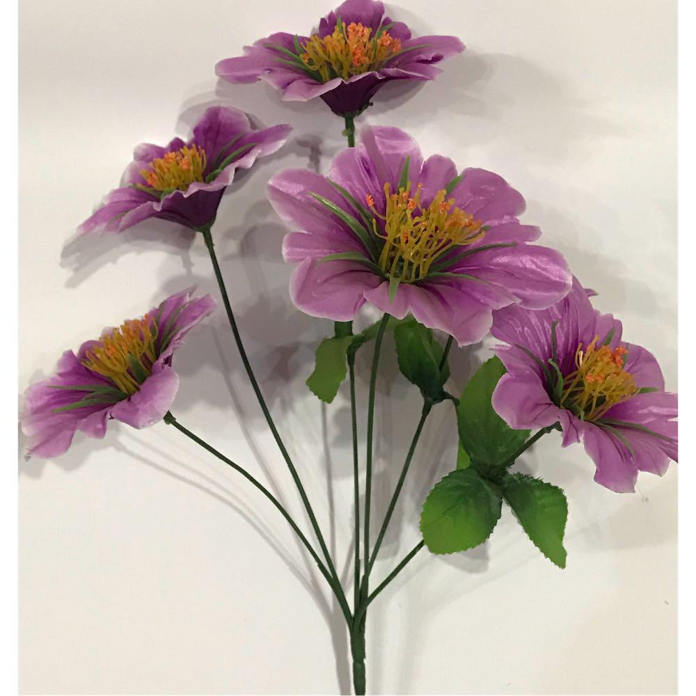 Искусственные цветы.Искусственный дешевый,Ритуальный букет.