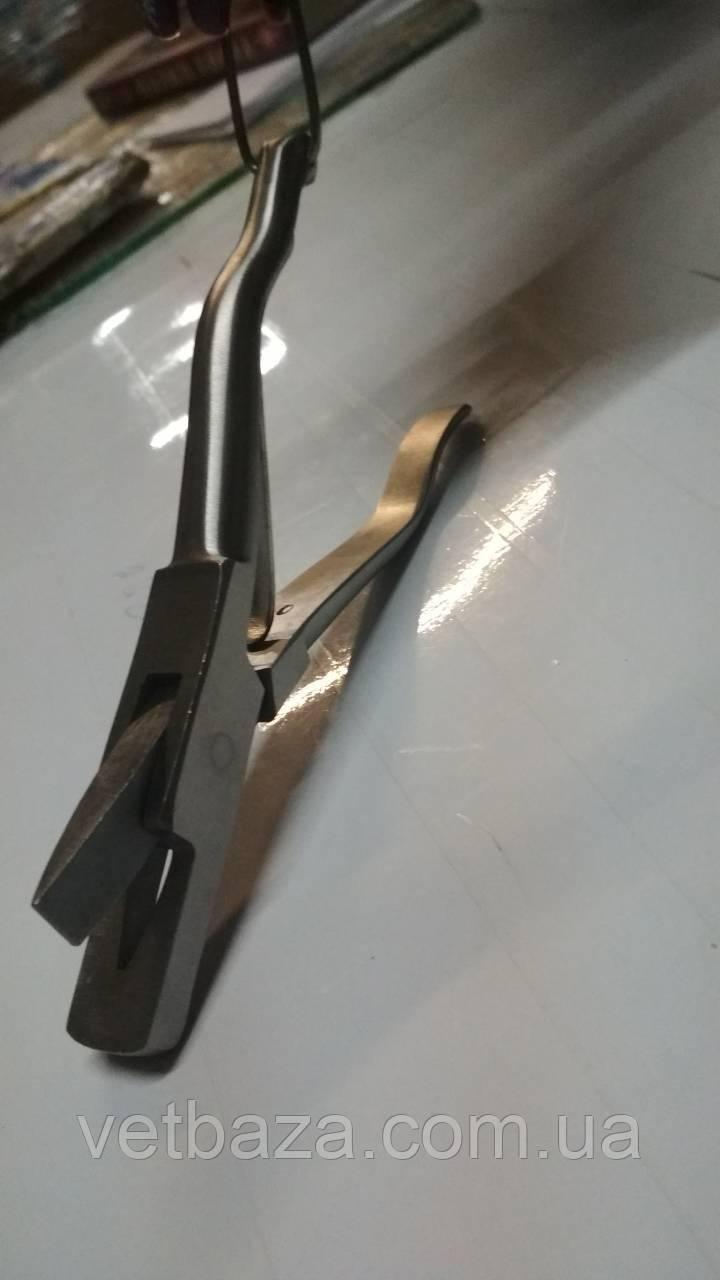 Щипцы для выщипов (Щипці для насічок з клиновидним вирізом  V)
