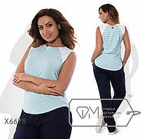 Блузка-фрак прямая из жатого трикотажа и отделкой из льна без рукавов с ювелирным вырезом и эмблемой на спинке X6698