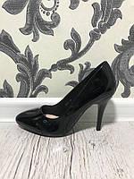Красивые лаковые туфли на шпильке. Материал иск.лак. Высота каблука 9,5 см. Р-р 36-40. В двух цветах
