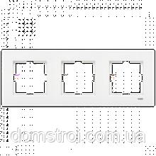 Тройная горизонтальная рамка VIKO Karre белая