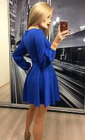 Женское приталенное платье до колена синего цвета из ткани дайвинг