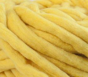 Толстая пряжа ручного прядения. 100% шерсть 21-23 мкрн. Цвет: Лимон.
