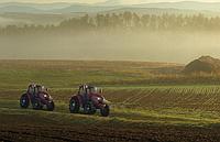 Япония представила новейшие беспилотные трактора