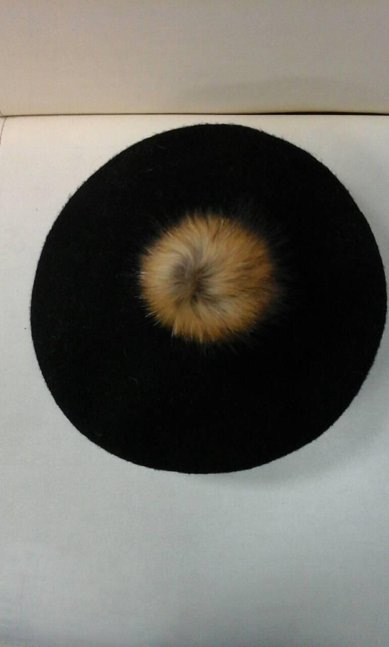 Берет женский черный шерстяной с бубоном, фото 1