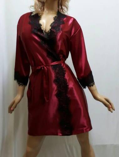 Женский короткий атласный халат с красивым французским кружевом , от 42 до 50 размера