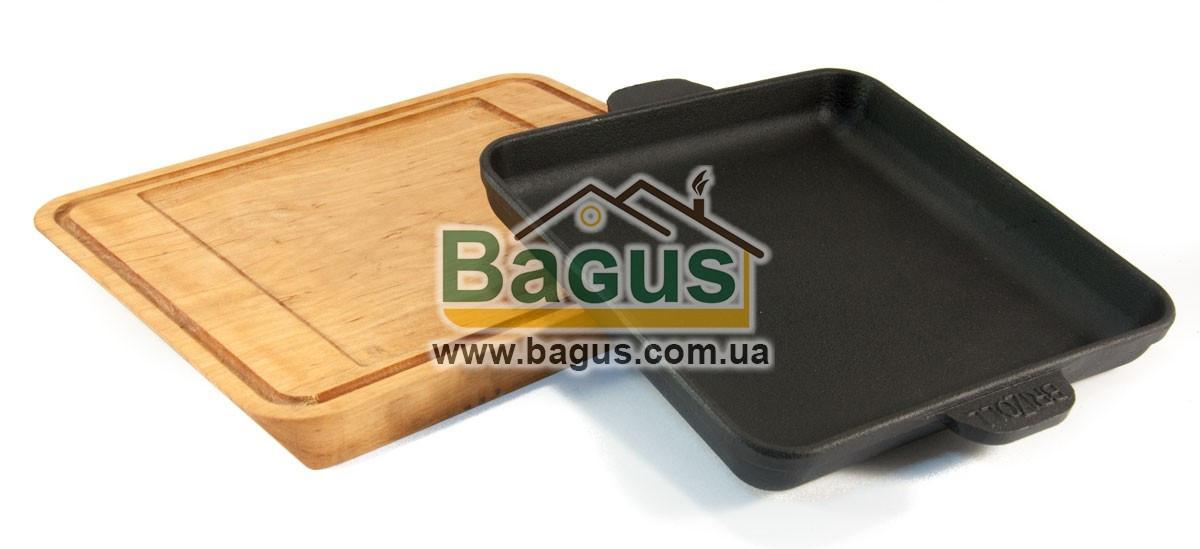 Сковорода чавунна порційна квадратна 180х180х25мм на дерев'яній підставці з виїмкою Brizoll Н181825-Д