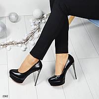 Туфли на платформе и высоком каблуке в стразах, цвет-черный