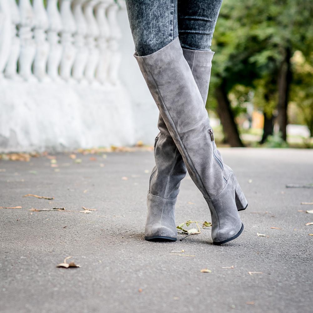 Жіночі чоботи замшеві сірого кольору на підборах. Індивідуальний пошив. Колір на вибір