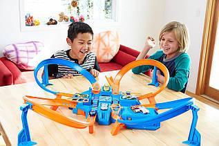 Моторизированный Трек Hot Wheels Петля. ОРИГИНАЛ Mattel из США. Hot Wheels Criss Cross Crash Track Set