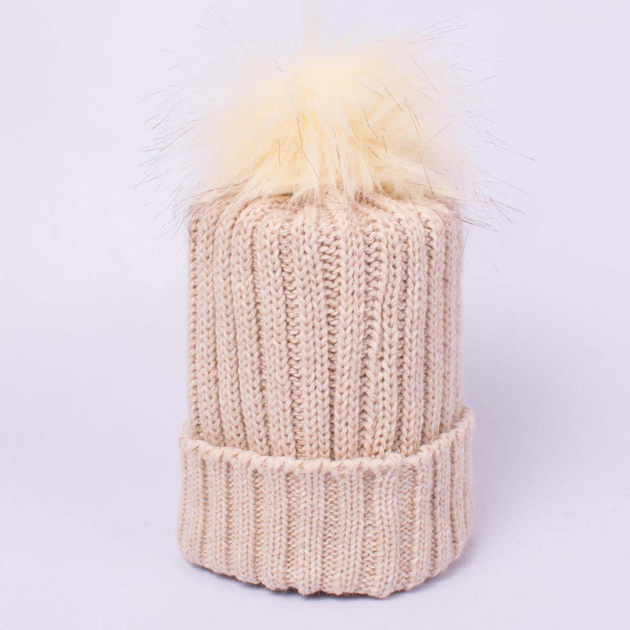 Женская вязаная шапка с помпоном слоновая кость CMF W18-12 02 Agra