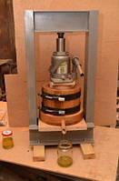 Маслопресс объем 1,5 литра с полной комплектацией, рамой и домкратом