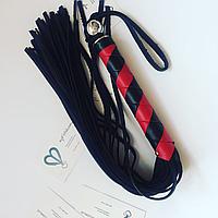 Флог с черно-красной ручкой