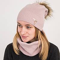 Зимний женский вязаный комплект (шапка с помпоном + хомут) на флисе - Артикул 2182 (пудра)