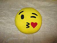 """Подушка смайл Emoji 25 см """"Поцелуй"""""""