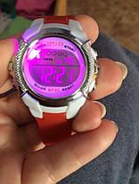 Часы электронные детские с секундомером и разноцветной подсветкой Raum Rot, фото 3